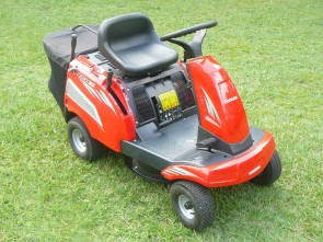 "XCH62 6.5hp Ride-On Lawn Mower with 24"" Cut"