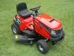 "XCT108S 17.5hp Ride-On Lawn Mower with 42"" Cut"
