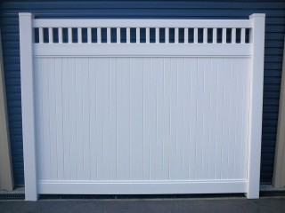 PVC Privacy Fencing with Picket Top