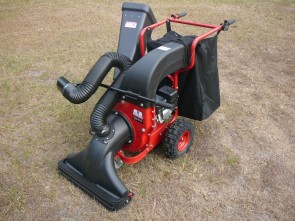 Self Propelled Leaf Vacuum / Shredder / Chipper